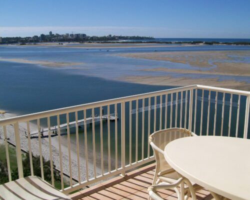 Queensland-Golden-Beach-Riviere-Balcony (3)