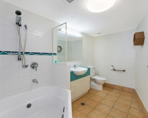 Queensland-Golden-Beach-Riviere-Room-1-And-2-Apartment (10)