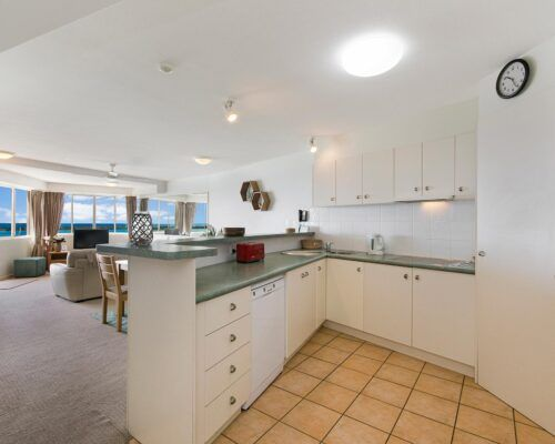 Queensland-Golden-Beach-Riviere-Room-1-And-2-Apartment (11)