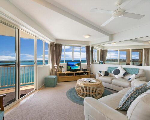 Queensland-Golden-Beach-Riviere-Room-1-And-2-Apartment (12)
