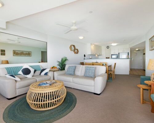 Queensland-Golden-Beach-Riviere-Room-1-And-2-Apartment (13)