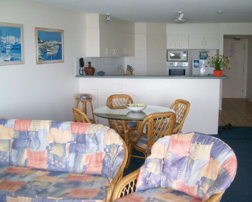 Queensland-Golden-Beach-Riviere-Room-1-And-2-Apartment (4)