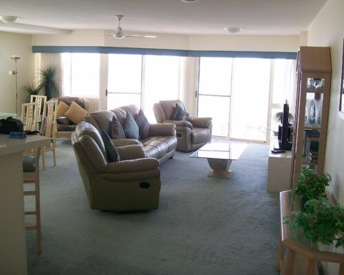 Queensland-Golden-Beach-Riviere-Room-1-And-2-Apartment (9)