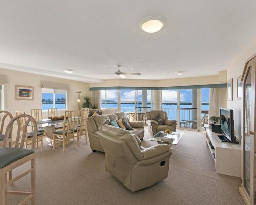 Queensland-Golden-Beach-Riviere-Room-3-BR-Apartment (1)
