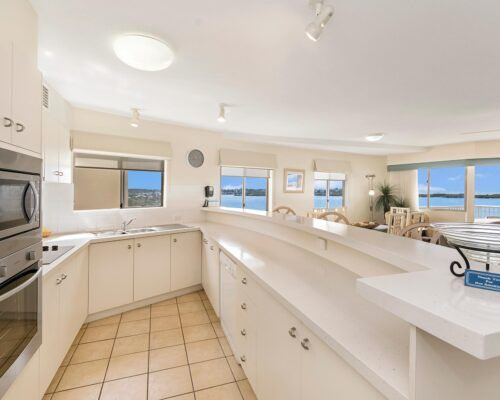 Queensland-Golden-Beach-Riviere-Room-3-BR-Apartment (13)