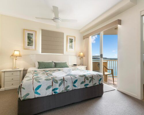 Queensland-Golden-Beach-Riviere-Room-3-BR-Apartment (9)